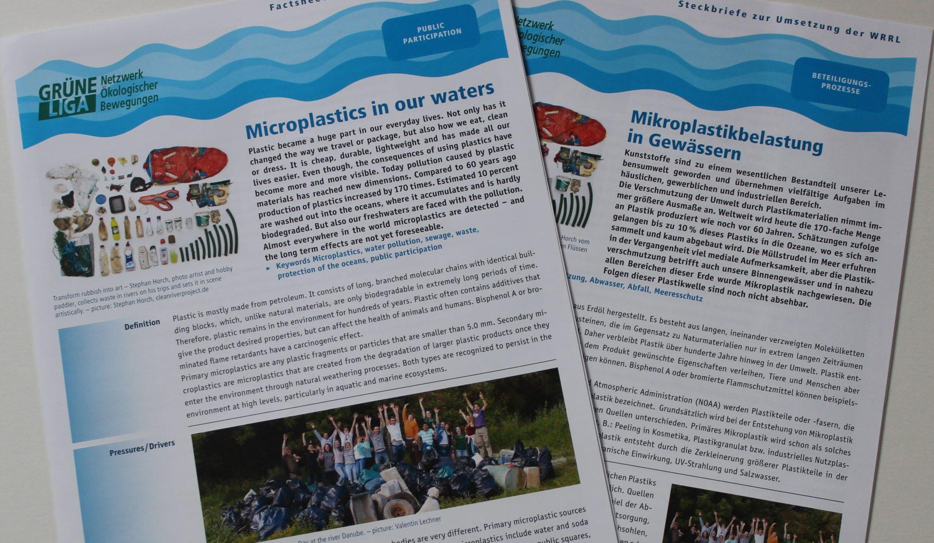 Druckfrische Exemplare der Factsheets zur Mikroplastikbelastung in Gewässern